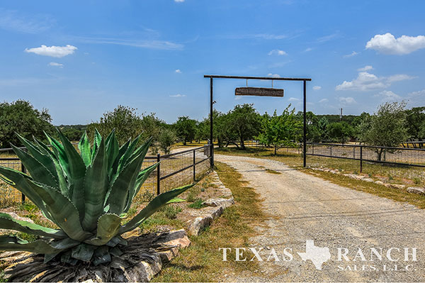Comal County 30 Acre Ranch Image Gallery.
