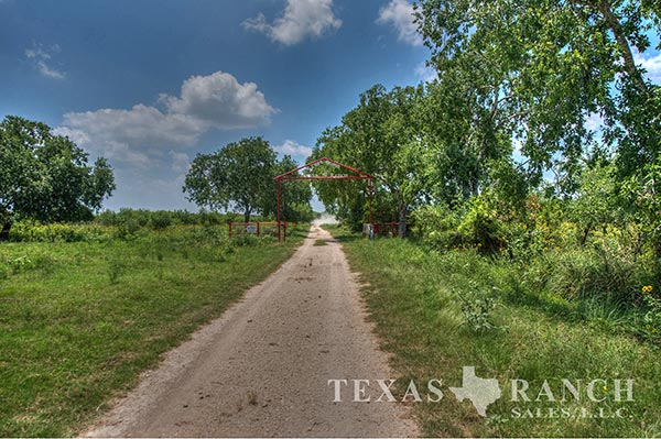 Ranch real estate image 511 acres Zavala County