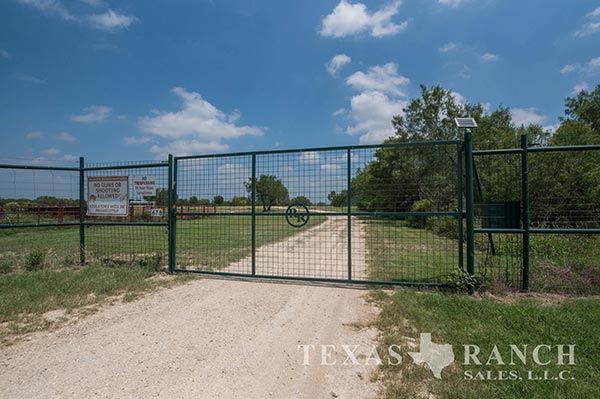 Zavala County 610 Acre Ranch Image Gallery.