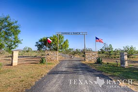 Ranch sale 870 acres, Uvalde county image 1